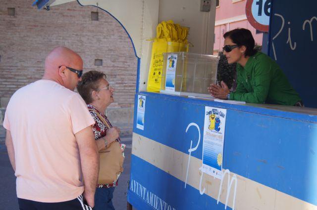 Los ciudadanos que lleven sus bolsas de reciclaje al punto de información entrarán en un sorteo de un viaje de fin de semana, Foto 2