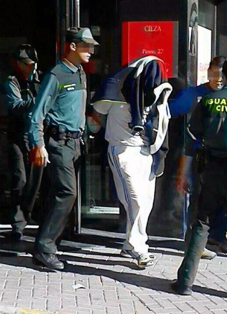 La Guardia Civil frustra el atraco a una sucursal bancaria de Cieza - 3, Foto 3