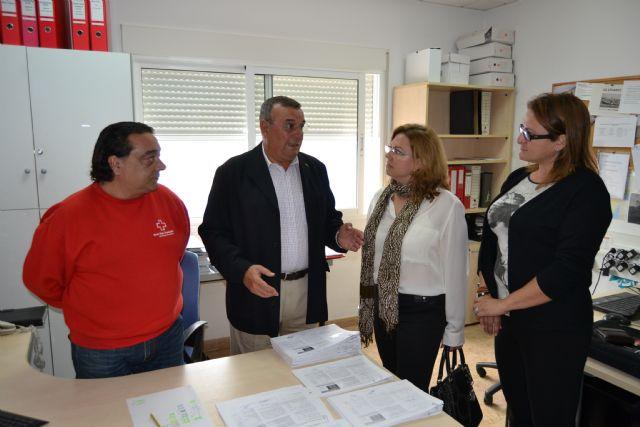 Cáritas, Cruz Roja y Amor por Amor inician el proyecto municipal Cesta de la compra solidaria - 3, Foto 3