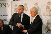El Ayuntamiento y la Fundaci�n Real Madrid ponen en marcha una escuela sociodeportiva en Mazarr�n