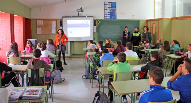 Más de 150 alumnos participan en la XI 'Campaña de Absentismo Escolar' en Puerto Lumbreras - 1, Foto 1