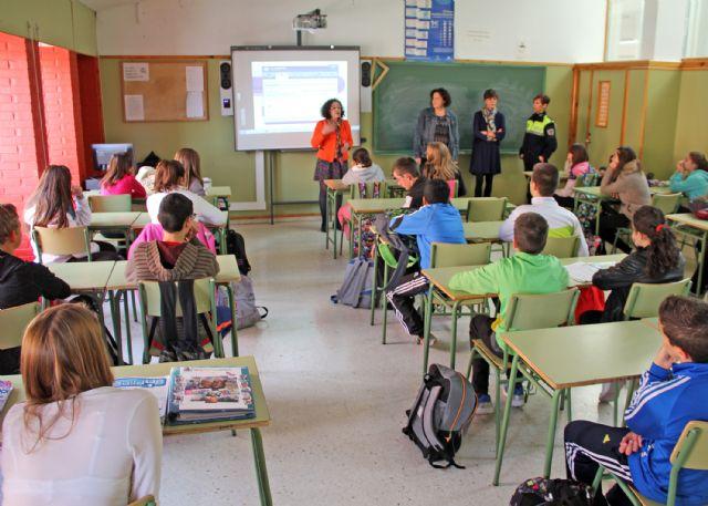 Más de 150 alumnos participan en la XI 'Campaña de Absentismo Escolar' en Puerto Lumbreras - 2, Foto 2