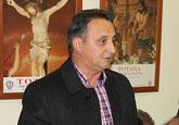 La alcaldesa felicita al nuevo presidente del Ilustre Cabildo Superior de Procesiones, Antonio Martínez Belchí, tras su reciente elección
