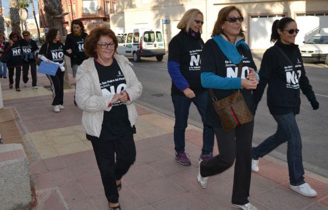 Las mujeres pinatarenses caminan contra la violencia - 2, Foto 2