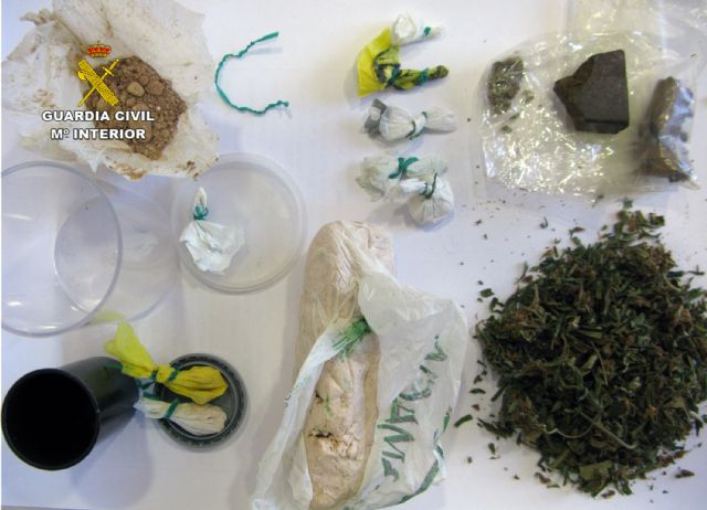 The Civil Guard dismantled a drug distribution point in a bar in Totana