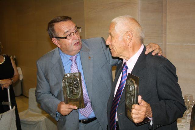 El Colegio de Podólogos rinde homenaje a sus jubilados por su trayectoria profesional en pro de la salud de los murcianos - 1, Foto 1