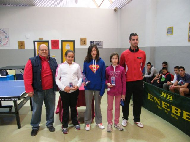Disputa la fase municipal de tenis de mesa dentro del programa de Deporte Escolar, Foto 1