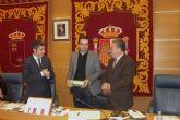 El Ayuntamiento de Molina de Segura acoge el acto de entrega del X Premio Setenil 2013 al Mejor Libro de Relatos Publicado en España