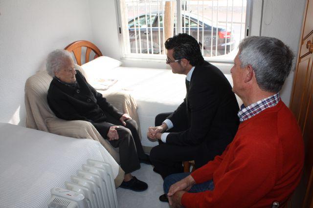 El alcalde de Torre-Pacheco visita a la persona más longeva del municipio - 1, Foto 1