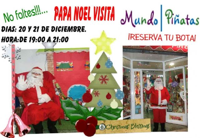 Santa Claus will visit World Piñatas a year to collect the cards of the kids in the house