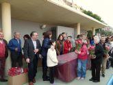 El Ayuntamiento de Molina de Segura y la empresa de servicios Sercomosa reparten unas 4.000 macetas con flores de Pascua
