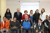 Los alumnos del centro de desarrollo infantil y atenci�n temprana de Mazarr�n felicitan la navidad al ayuntamiento