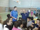 Una de baloncesto entre el colegio Luis Vives y el UPCT Basket Cartagena