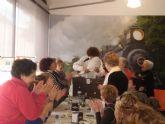Los alumnos de la Escuela Deportiva Municipal de Gerontogimnasia de Alguazas organizan su tradicional Café de Navidad