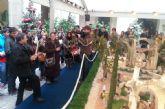 Los alumnos de la UCAM felicitan la Navidad al obispo José Manuel Lorca Planes