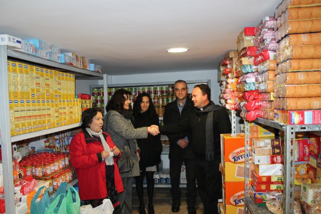 Las oficinas de La Caixa en Archena entregan más de 1.700 euros para Cáritas local - 1, Foto 1