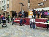 'Huevos Inmaculada' celebra la actividad de dibujo en la plaza Balsa Vieja que permitió hacer una gran donación a Cáritas