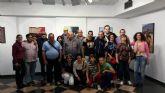 El 'Centro de Día de Salud Mental' del ayuntamiento visita la exposición 'Bajo el mismo sol'
