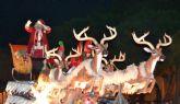 Papá Noel recoge las cartas de cientos de niños pinatarenses en la puerta del Ayuntamiento