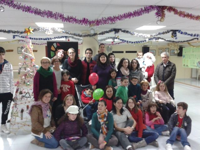 D'Genes act made a small Christmas and Christmas Crafts workshop