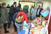 La gala solidaria organizada por Juventudes Socialistas de Águilas recauda cientos de juguetes para los niños más desfavorecidos del municipio