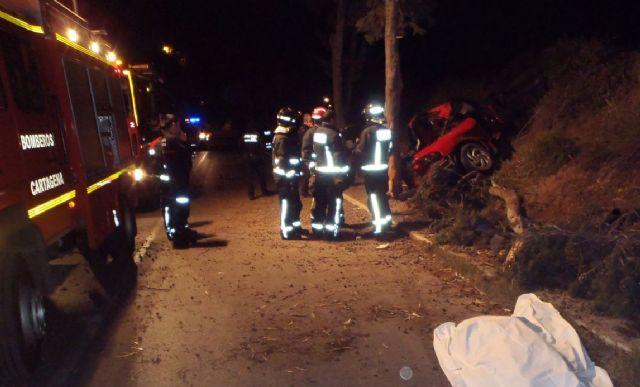 Fallece una menor de 16 años tras salirse un vehículo en la carretera de La Algameca - 1, Foto 1