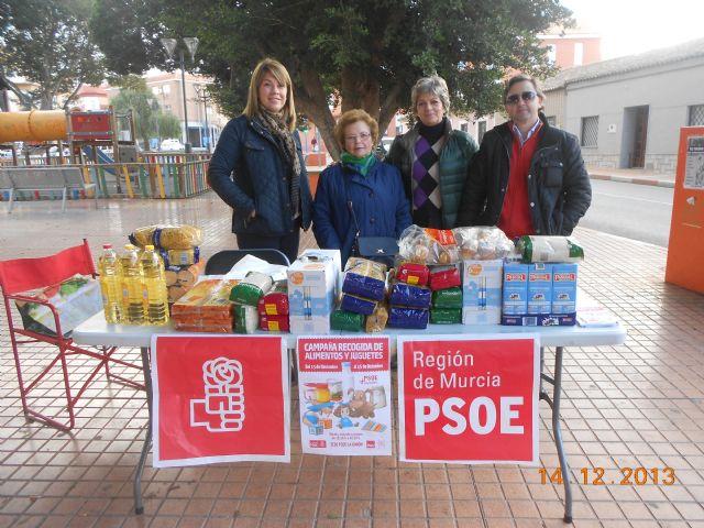 El PSOE y Juventudes Socialistas de La Unión recogen 1.000 kilos de alimentos y más de un centenar de juguetes en su campaña de Navidad - 4, Foto 4