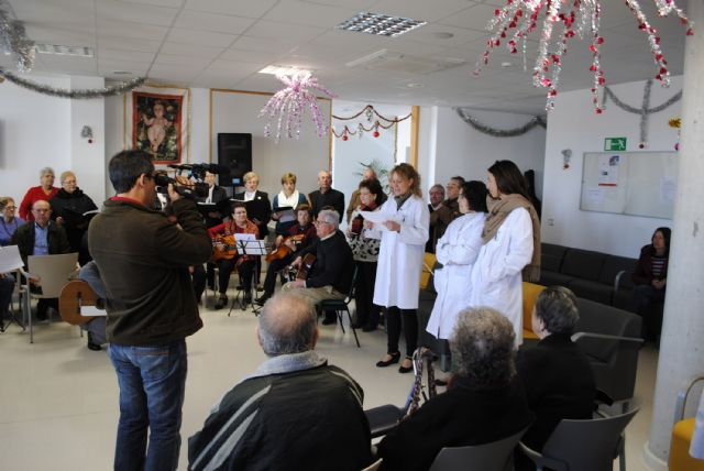 El Centro de Día de las Personas Mayores torreño, de convivencia navideña - 2, Foto 2