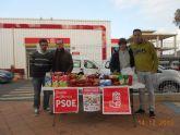 El PSOE y Juventudes Socialistas de La Unión recogen 1.000 kilos de alimentos y más de un centenar de juguetes en su campaña de Navidad