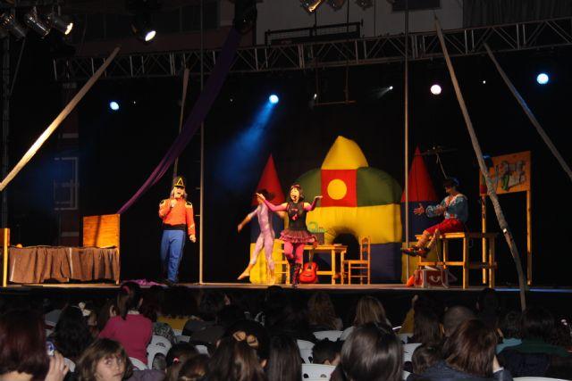 Pequeños y mayores disfrutan del musical de Pinocho - 1, Foto 1