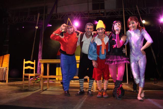 Pequeños y mayores disfrutan del musical de Pinocho - 3, Foto 3