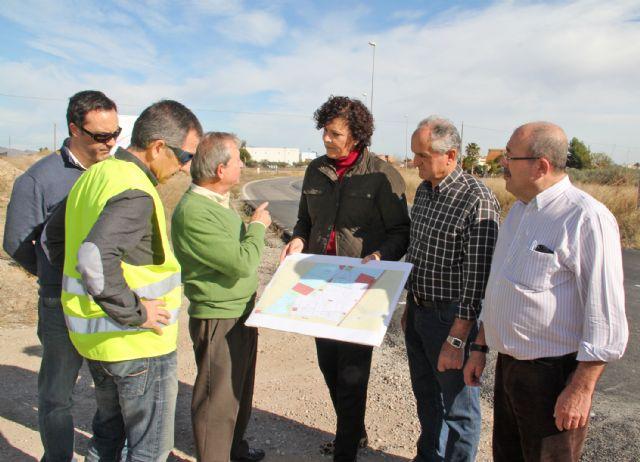 El DG de Carreteras y la Alcaldesa de Puerto Lumbreras visitan las obras de mejora de la carretera D16 que une Puerto Lumbreras con la Estación- El Esparragal - 1, Foto 1