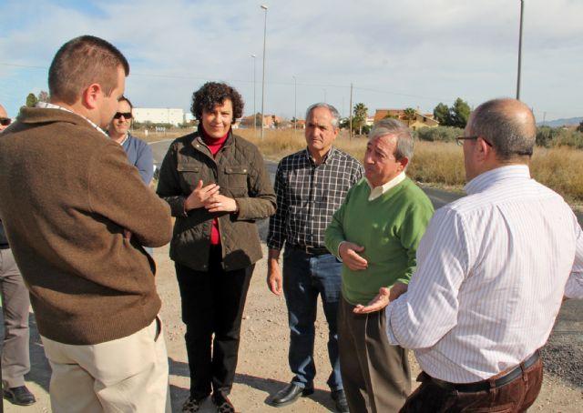 El DG de Carreteras y la Alcaldesa de Puerto Lumbreras visitan las obras de mejora de la carretera D16 que une Puerto Lumbreras con la Estación- El Esparragal - 2, Foto 2