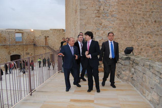 El subsecretario de Fomento inaugura las obras de rehabilitación del Castillo de Moratalla - 1, Foto 1