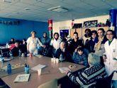 El taller torreño 'Mujeres entre Culturas' visita el Centro de Día de las Personas Mayores
