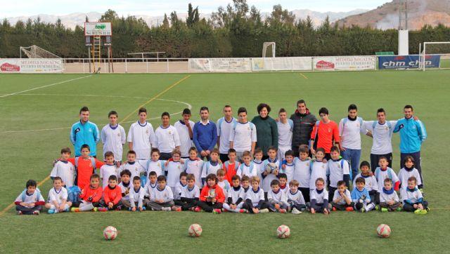 Comienza la nueva temporada de la Escuela Socio-Deportiva de Fútbol del Real Madrid en Puerto Lumbreras - 1, Foto 1
