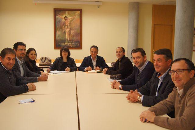 El Ayuntamiento y el Ilustre Cabildo Superior de Procesiones ya trabajan en los preparativos de la Semana Santa del 2014, Foto 2