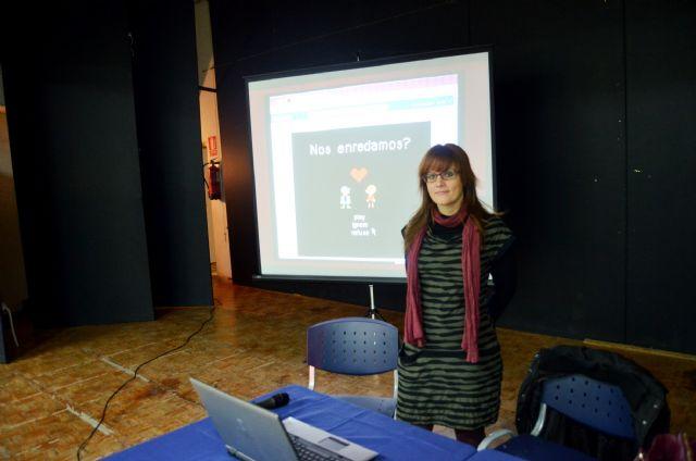 La psicóloga Ianire Estébanez habla de redes sociales y el amor juvenil ante 400 estudiantes de Secundaria - 1, Foto 1