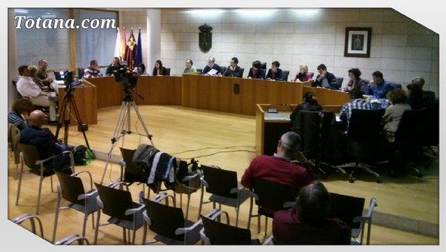 El Pleno de Totana debate la repercusión económica y funcionamiento del nuevo Servicio Municipal de Aguas tras su rescate, Foto 1