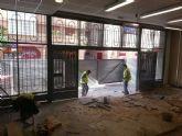Comienzan las obras de mejora y modernización en la Plaza de Abastos Saavedra Fajardo