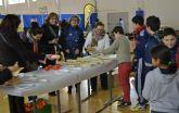 Pan, aceite y mandarinas para los alumnos del colegio Nuestra Señora del Carmen