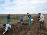 Alumnos del CIFEA de Torre Pacheco colaboran en la restauración de los arenales protegidos de Lo Poyo