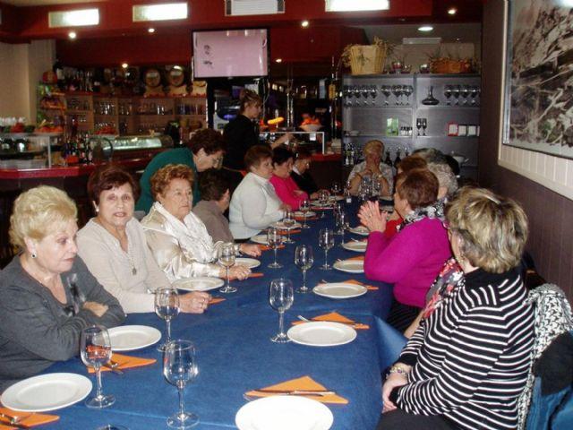 Los mayores de Cuatro Santos visitan Cervezas Icue - 1, Foto 1