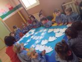 Los niños y niñas del CAI 'El Arsenal' celebran el Día de la Paz
