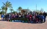 Escolares plantan 50 palmeras en el Parque Regional con motivo del Día Mundial de los Humedales