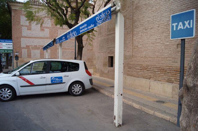 Presentar�n alegaciones al texto legal que regular� el servicio de transporte p�blico urbano en autom�viles turismo en la Regi�n de Murcia, Foto 1