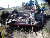 Dos mujeres heridas al salirse de la calzada el turismo en el que viajaban en la N-340, a la altura del camping de Totana