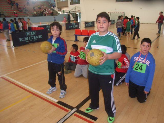 La concejalía de Deportes organizó la fase local de jugando al atletismo de Deporte Escolar, Foto 3