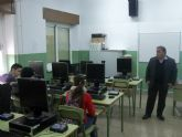 El presidente de ASEMOL despierta la vocación emprendedora en los estudiantes del IES 'Vega del Tháder' de Molina de Segura