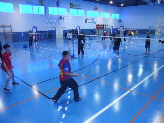 El Colegio la Milagrosa, tercer clasificado en la final regional de b�dminton de Deporte Escolar, Foto 3